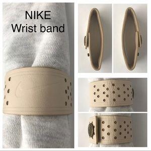 NIKE Unisex Wrist Band, Beige Leather